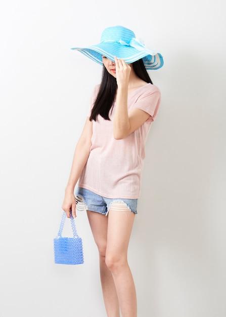 Retrato de la muchacha hermosa joven asiática Foto Premium