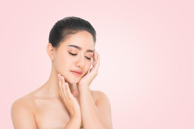 Retrato de mujer de belleza Foto Premium