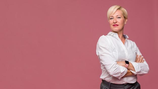 Retrato de mujer de negocios moderna Foto gratis