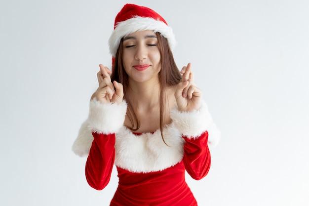 Retrato De Mujer Sonriente En Vestido De Santa Claus