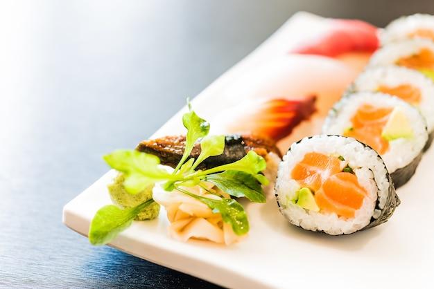 Rollo de sushi Foto gratis