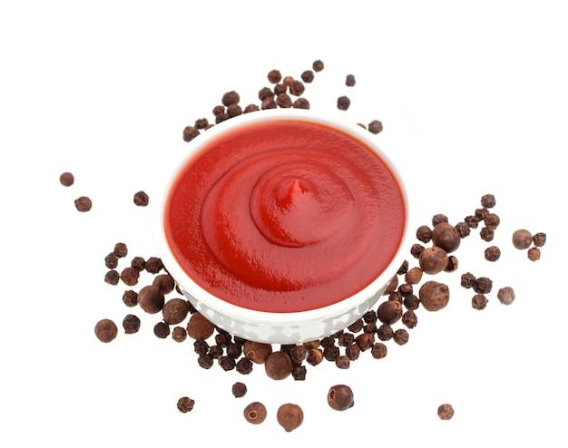 Salsa de tomate y pimienta negra Foto Premium