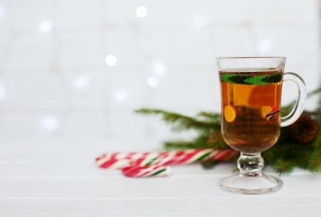 Saludo. el concepto de navidad y año nuevo. Foto Premium