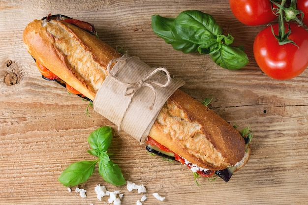 Sándwich baguette vegetariano Foto Premium