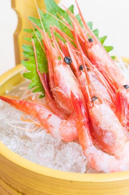 Sashimi de camarones crudos y frescos Foto gratis
