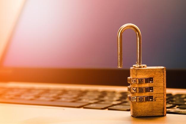 Seguridad informática de la información y concepto de protección de datos. Foto Premium