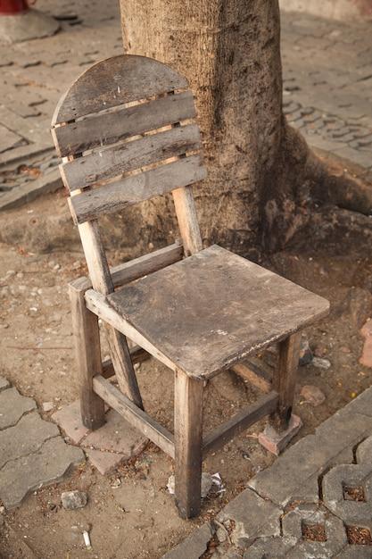 sillas boda madera vieja