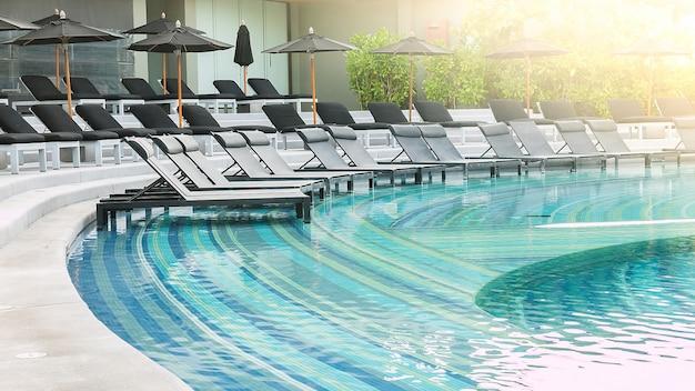 Silla de la piscina Foto gratis