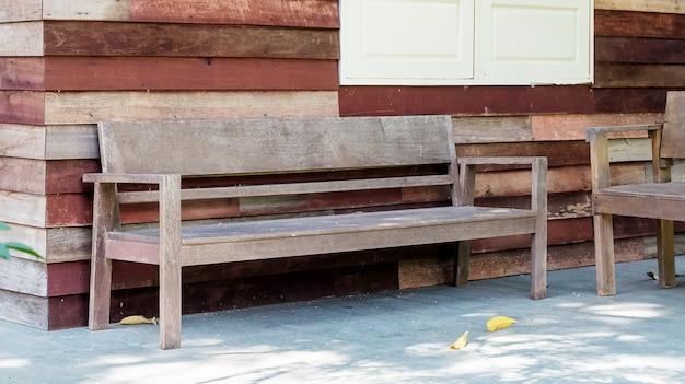 Silla En Una Terraza Para Tomar Un Descanso En Una Casa