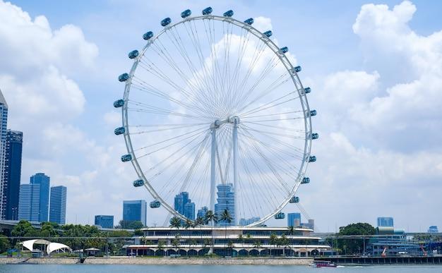 Singapore flyer, rueda de la fortuna Foto Premium