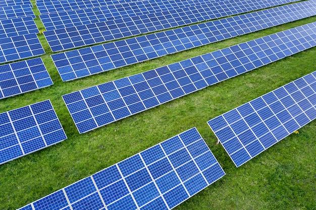 Sistema de paneles solares fotovoltaicos Foto Premium