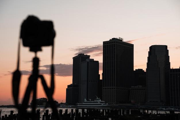 Skyline de la ciudad de nueva york con cámara desenfocada Foto gratis