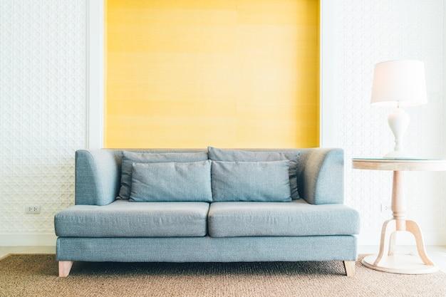 Sofa en salon Foto gratis