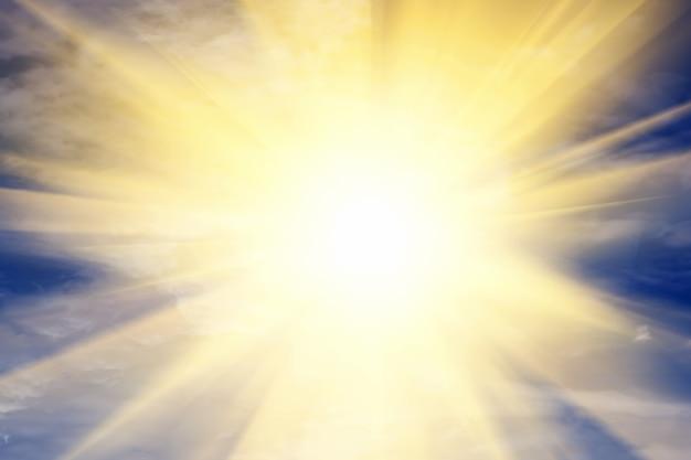 Sol brillando Foto gratis