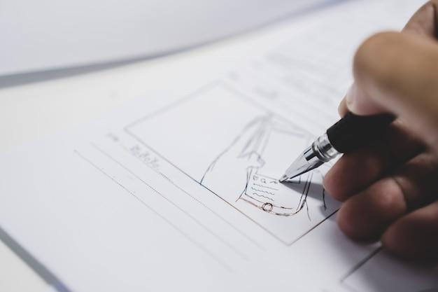 Storyboard o storytelling dibujo creativo para el proceso de la película. Foto Premium