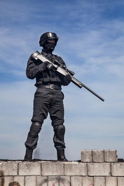 Swat francotirador de la policía   Descargar Fotos premium