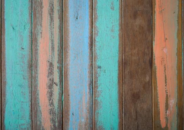 Tablas de madera de colores pero con la pintura estropeada for Tabla de colores de pintura