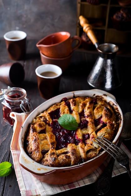 Tarta casera de cerezas deliciosas Foto Premium