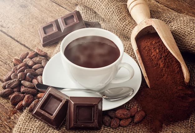 Taza de chocolate caliente Foto Premium