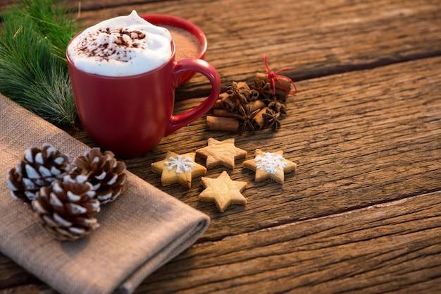 Taza de caf con galletas de navidad descargar fotos gratis for Decoracion con tazas de cafe