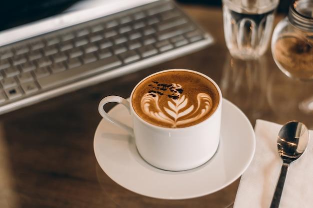 Resultado de imagen para cafe en la oficina