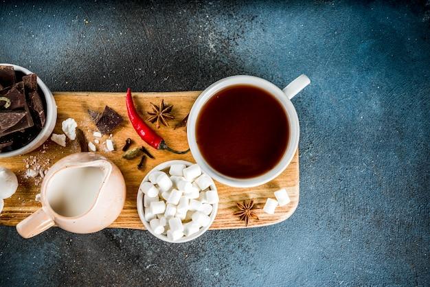 Tazas de chocolate caliente Foto Premium