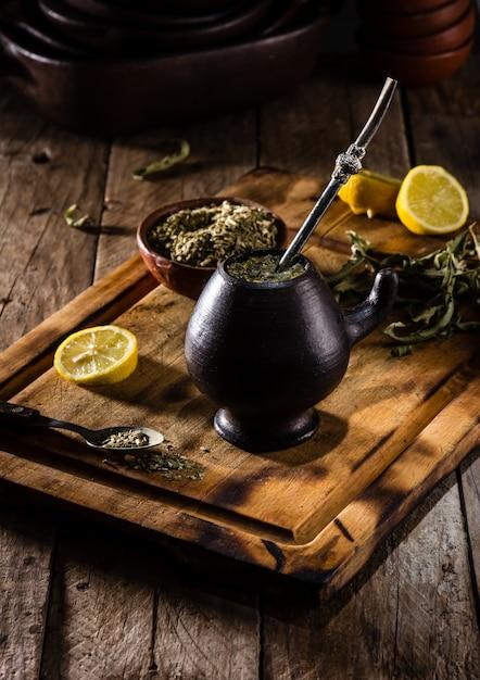 Té de hierbas de bebida caliente latinoamericana Foto Premium
