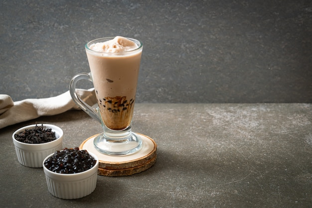 Té de leche de taiwán con burbujas Foto Premium