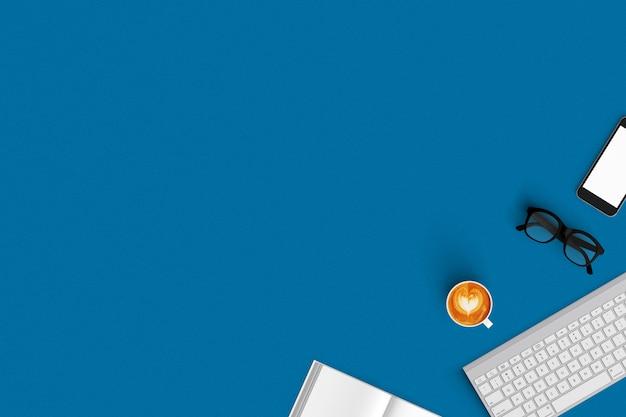 Teclado, café, teléfono inteligente, cuaderno en la vista superior del fondo de color Foto Premium