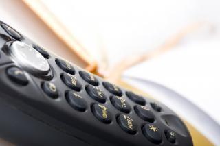 Buenos modales al usar el tel fono tips only clean for La oficina telefono