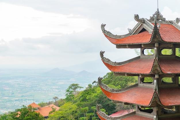 Templo de la pagoda tradicional Foto gratis