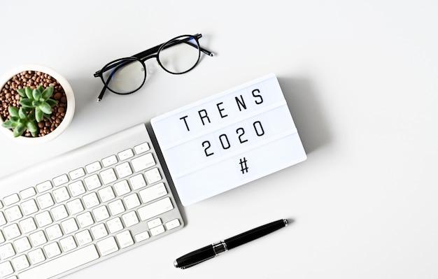 Tendencias 2020 concepto de negocio, vista superior Foto Premium