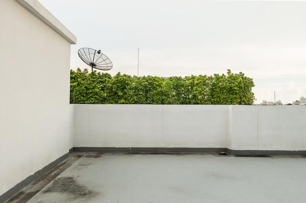 Terraza En El Fondo Del Edificio Foto Premium