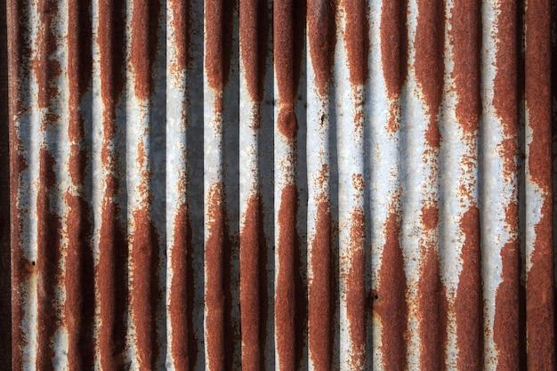 Textura de hierro galvanizado dañado viejo y oxidado. Foto Premium
