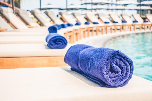 Toalla de la piscina descargar fotos gratis - Toallas piscina ...