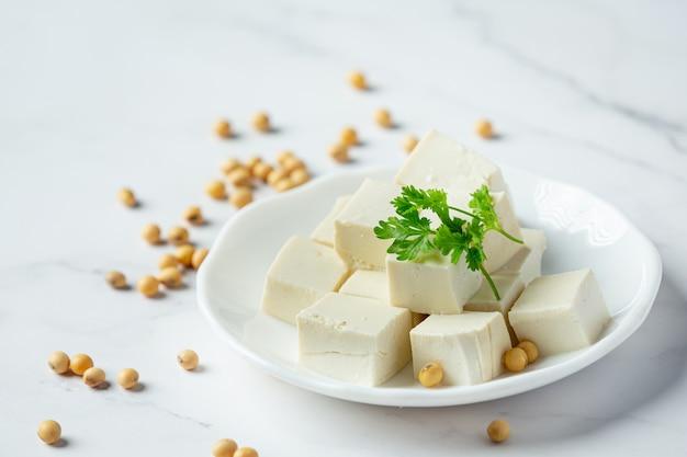 Tofu de soja concepto de nutrición alimentaria. Foto gratis
