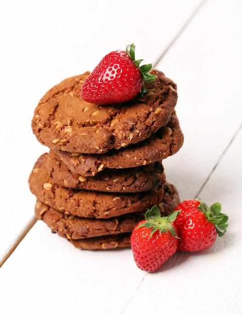 Torre de galletas de avena y bayas Foto gratis
