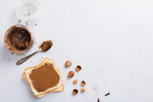 Tostada de crema de chocolate Foto gratis