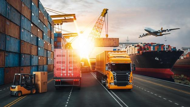 Transporte y logística del buque de carga de contenedores y avión de carga. Foto Premium