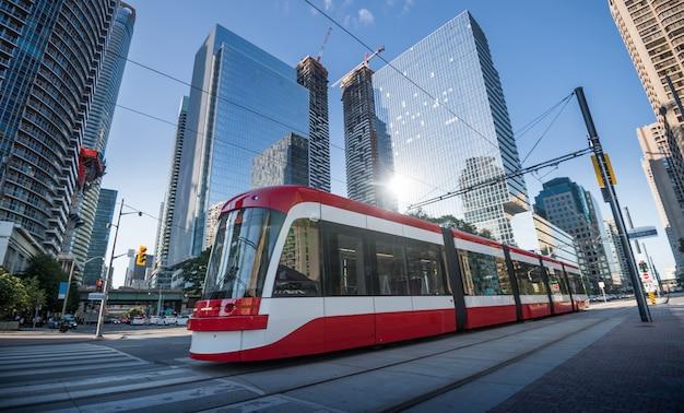 Tranvía en toronto, ontario, canadá Foto Premium