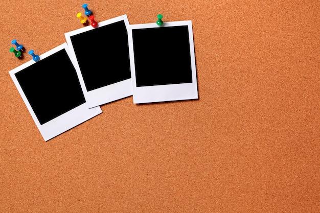 Tres fotos en un tabl n de noticias de corcho descargar - Corcho para fotos ...