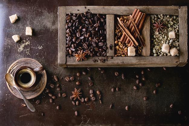 Variación de los granos de café Foto Premium