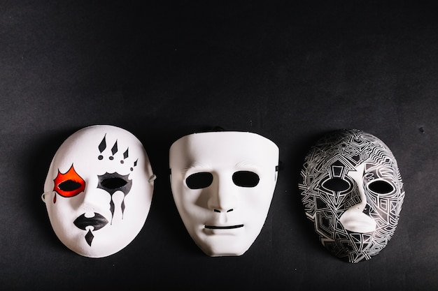 Varias Mascaras Para Halloween Foto Gratis
