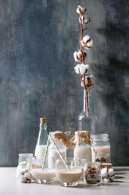 Variedad de leche no láctea. Foto Premium
