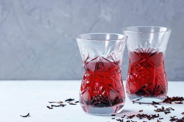 Vasos de té de hibisco Foto Premium