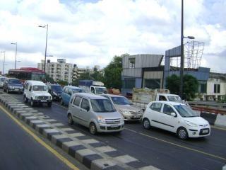 vehículos en las carreteras Foto Gratis