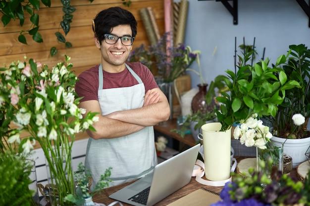 Vendedor de flores Foto gratis