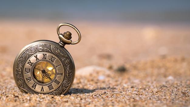 Ver en la playa de arena Foto Premium