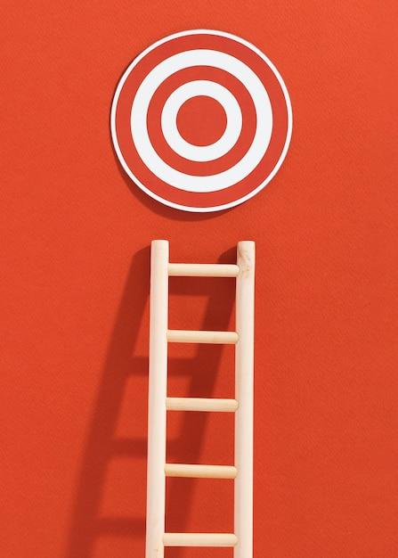 Vista frontal de la escalera con objetivo Foto gratis