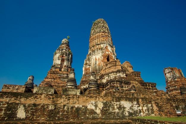 Vista general del día en wat phra ram ayutthaya, tailandia Foto gratis